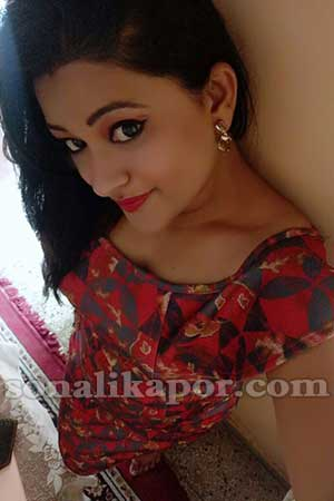 Housewife Escort Chitra